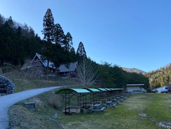 【長浜市、森のログハウス】『大見いこいの広場』のキャンプ場情報まとめ