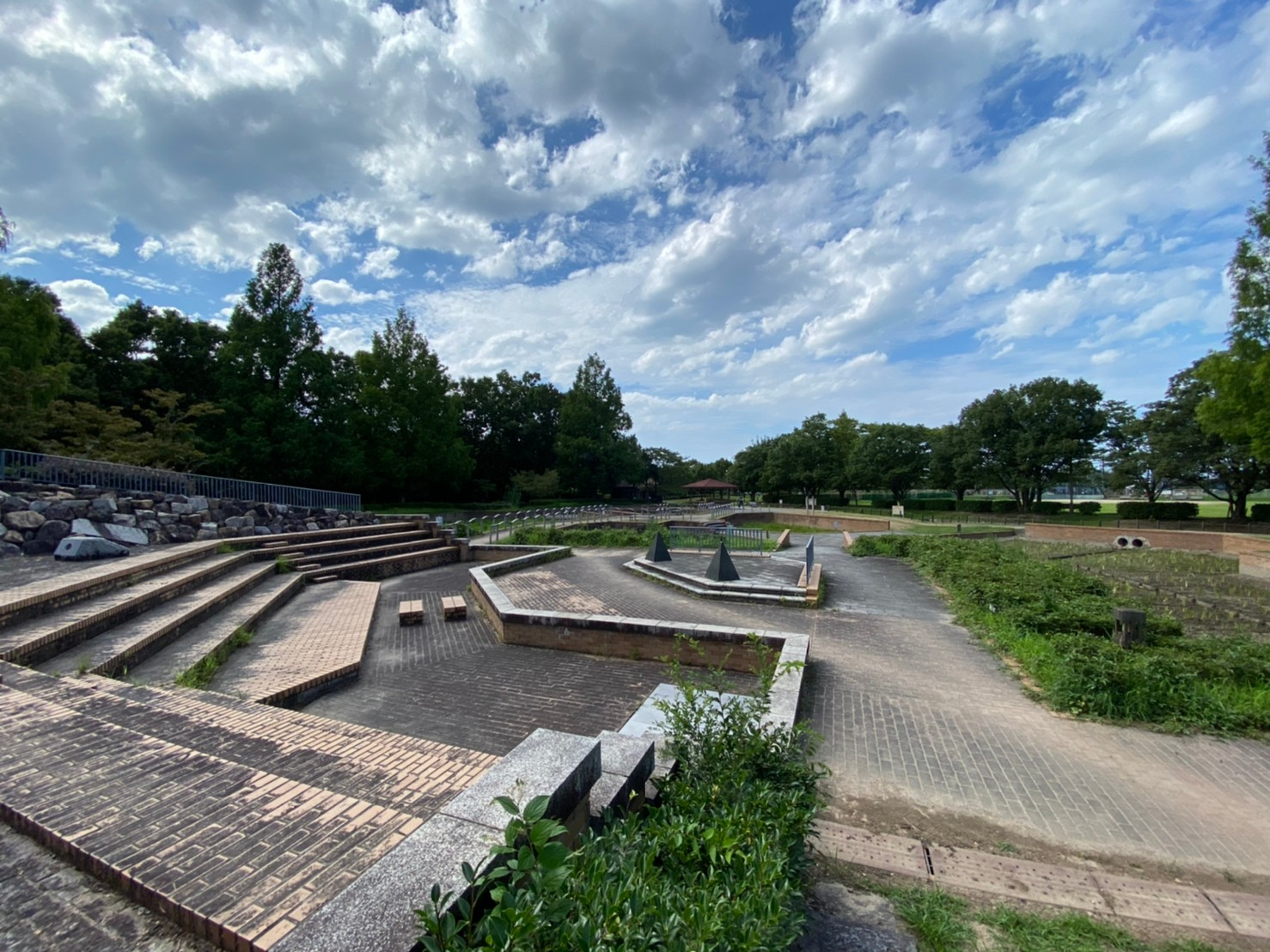 【彦根市】『庄堺公園:しょうさかいこうえん』情報まとめ(花・駐車場・トイレ)