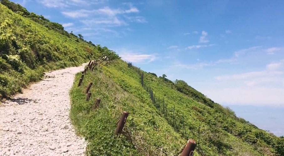 【米原市】『伊吹山』の登山ガイド(駐車場・トイレ・ドライブウェイ)